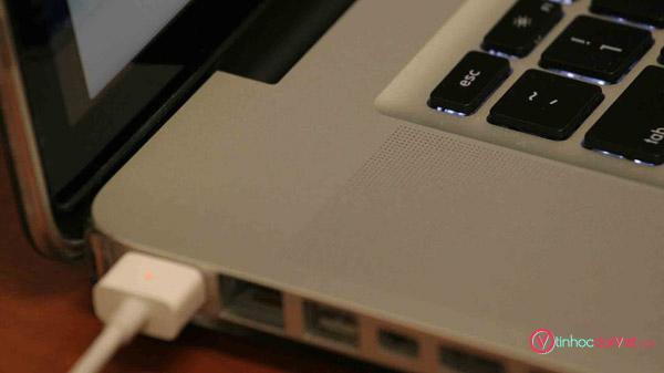 Cac Buoc Ve Sinh Laptop Don Gian Tai Nha 2